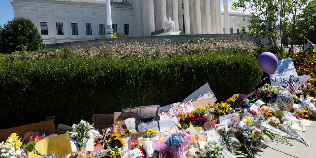 Image of the altar laid outside of the Supreme Court for Ruth Bader Ginsburg.