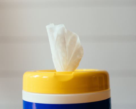 A photo of a bleach cleaning wipe.